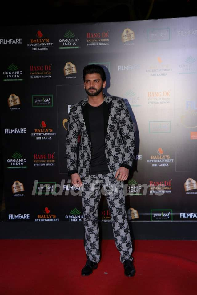 Zaheer Iqbal papped at the Red Carpet of Filmfare Glamour and Style Awards 2019