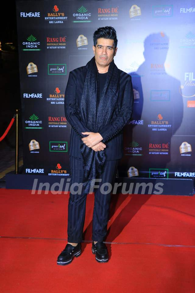 Manish Malhotra papped at the Red Carpet of Filmfare Glamour and Style Awards 2019