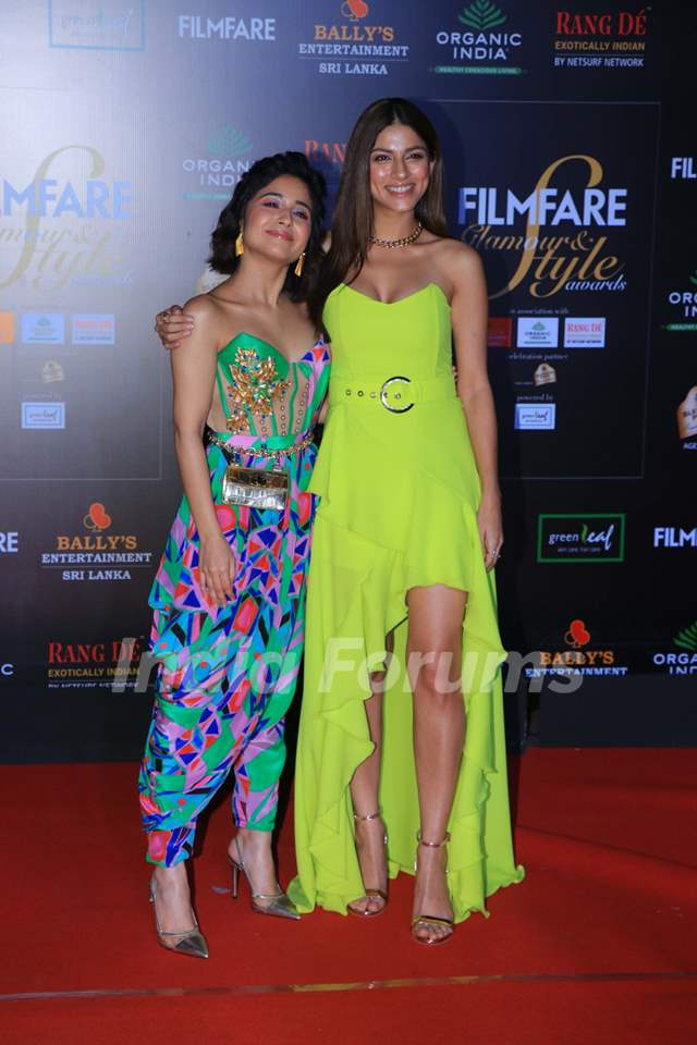 Sapna Pabbi and Shweta Tripathi papped at the Red Carpet of Filmfare Glamour and Style Awards 2019