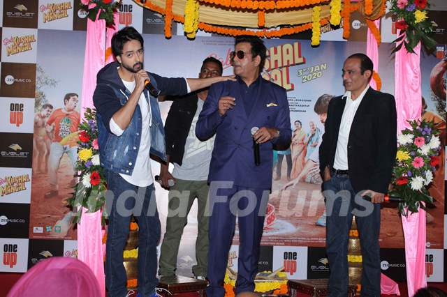 Priyaank Sharma papped with Ravi Kishan and Akshaye Khanna at the trailer launch of Sab Kushal Mangal