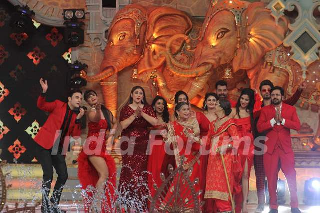 Kumkum Bhagya family