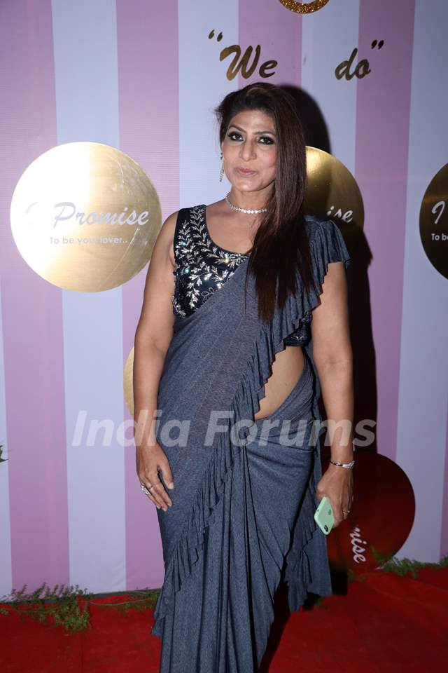 Celebrities at Kamya Panjabi-Shalabh Dang Wedding Reception!