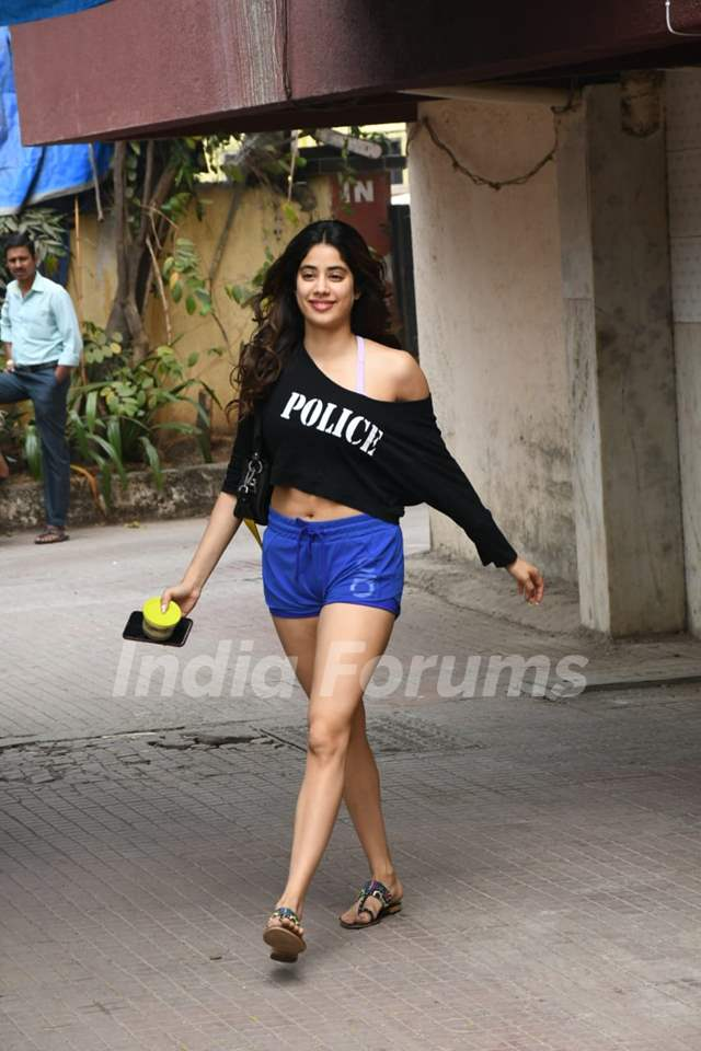 Janhvi Kapoor snapped outside gym!