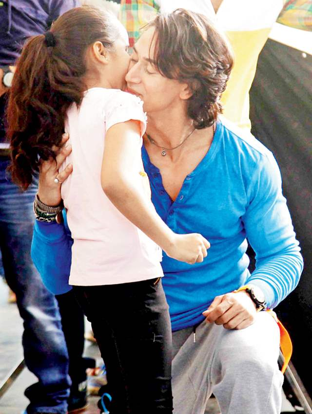 Tiger Shroff with young fan