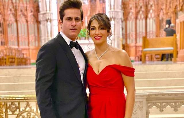 Amit Sarin and wife