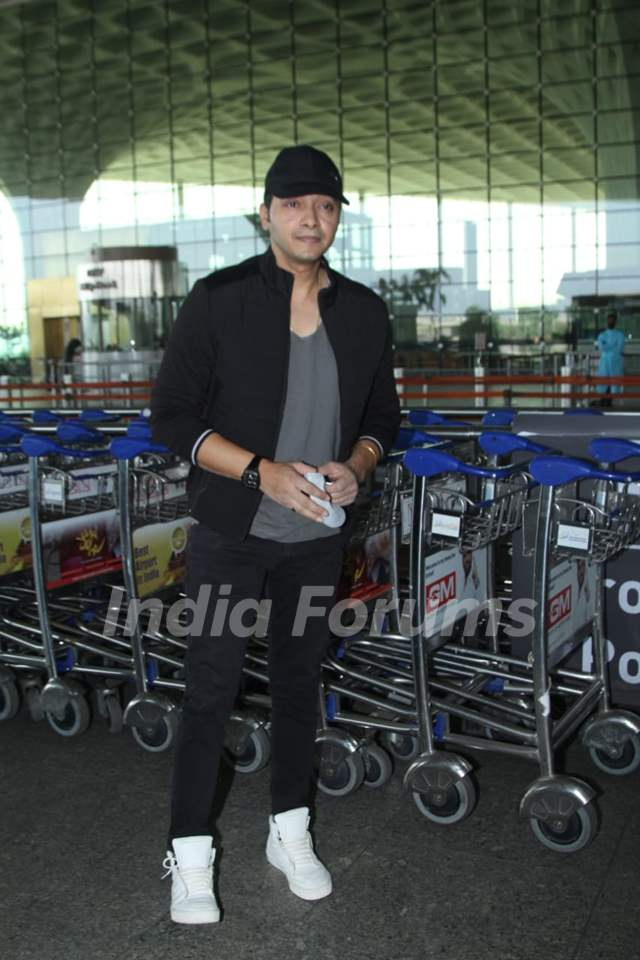 Shreyas Talpade snapped at Airport
