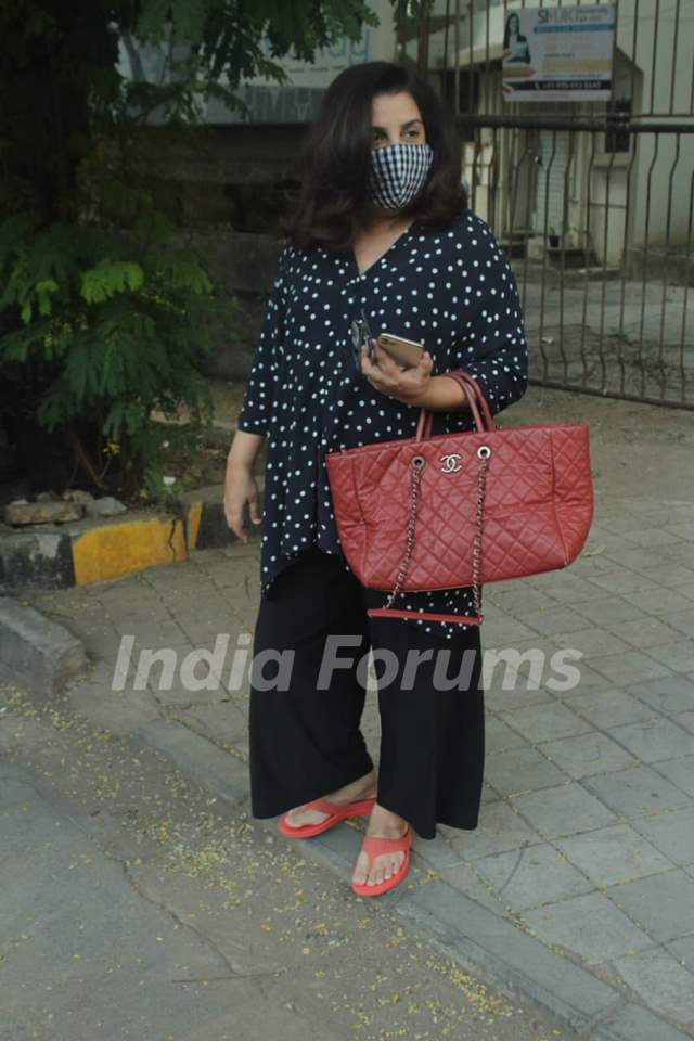 Farah Khan snapped at