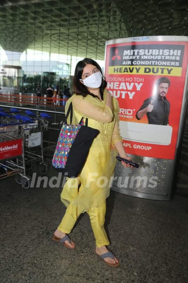 Divya Khosla snapped at airport