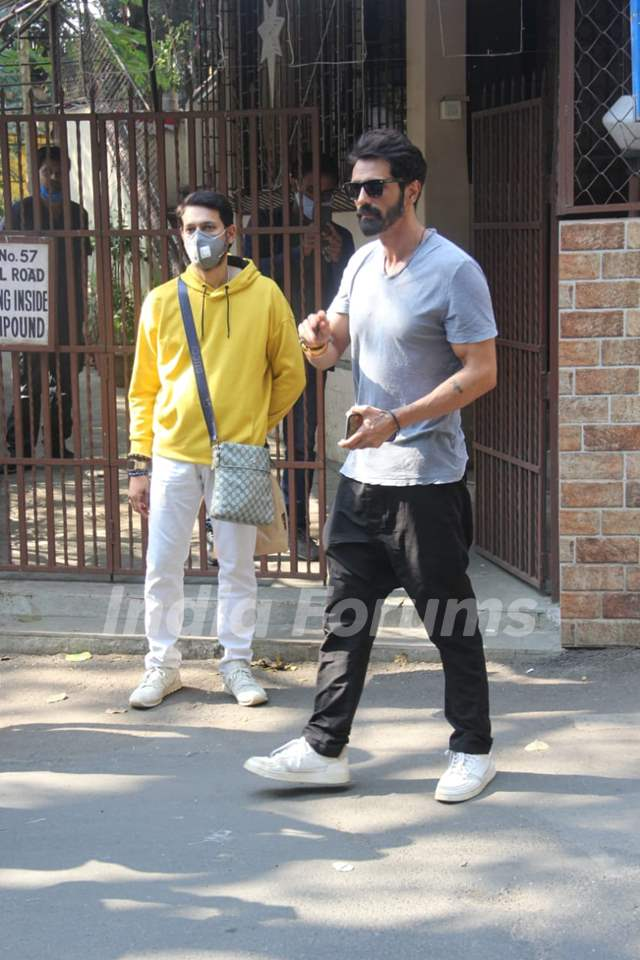 Arjun Rampal snapped outside dubbing studio in Bandra