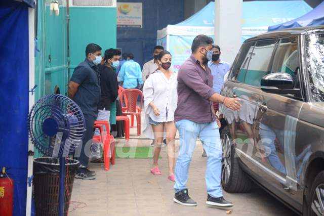 Alia Bhatt snapped at Filmcity for a shoot