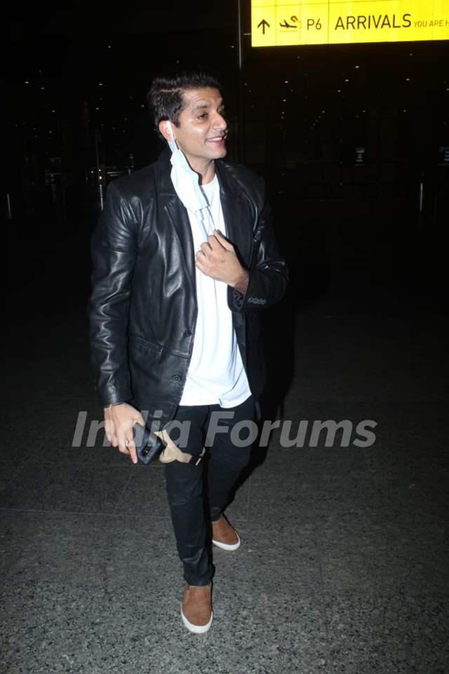 Karanvir Bohra snapped at airport