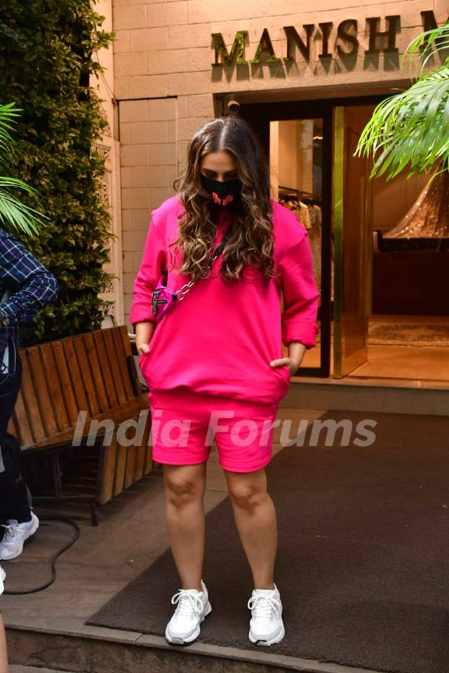 Huma Qureshi spotted for shoot at Manish Malhotra store