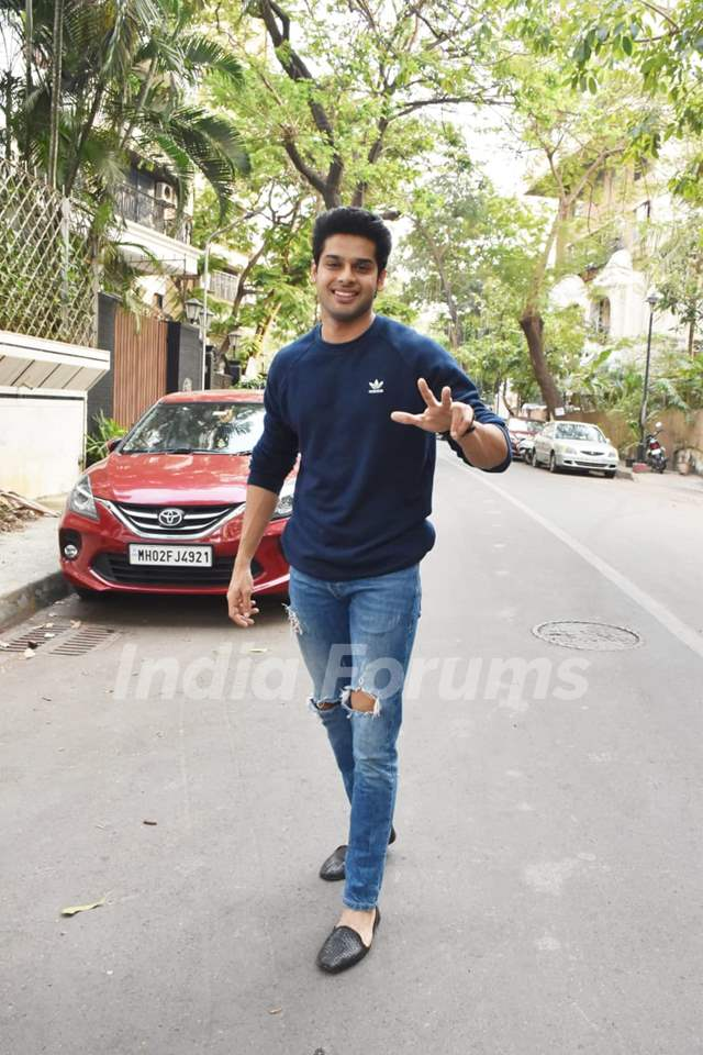 Abhimanyu Dassani snapped at Juhu