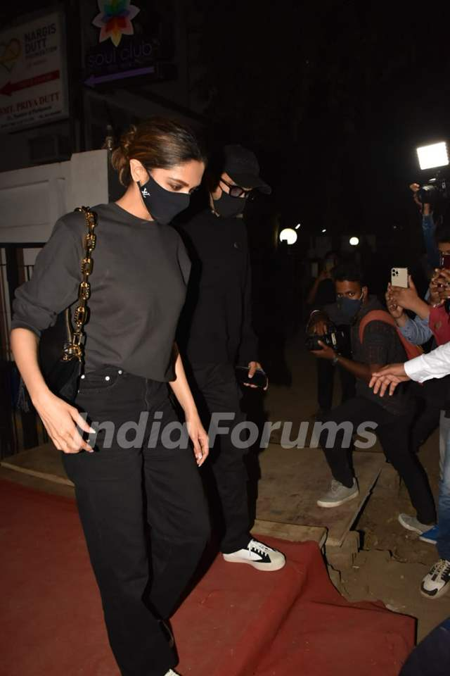 Ranveer Singh and Deepika Padukone snapped leaving Izumi, Bandra