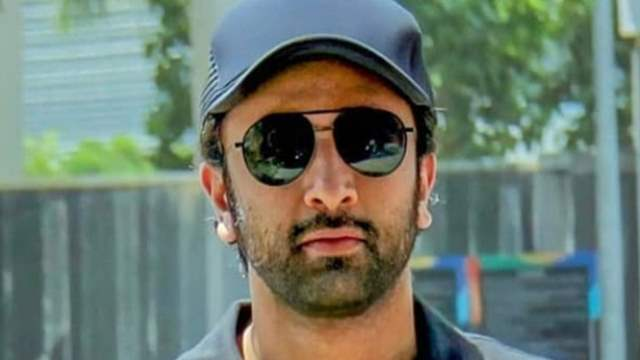 Ranbir Kapoor tests positive for COVID-19