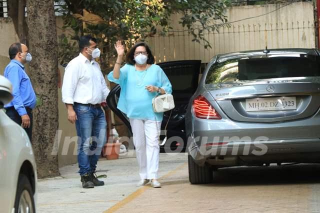 Kareena Kapoor Khan and Taimur Ali Khan at Karisma Kapoor's house