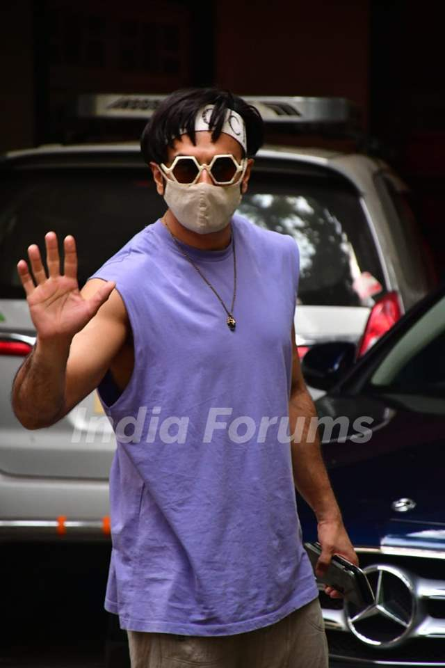 Ranveer Singh snapped at dubbing studio!