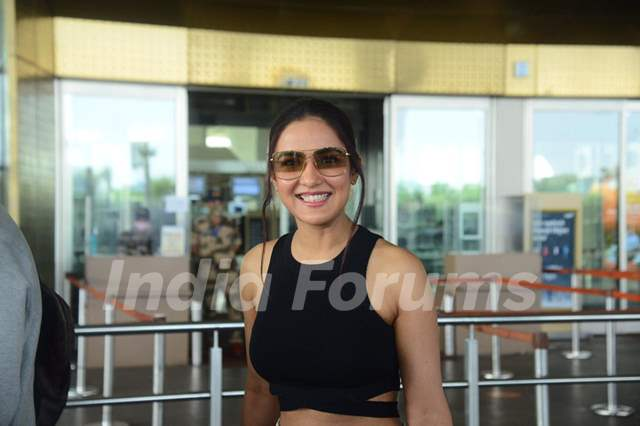 Jasmin Bhasin snapped at airport