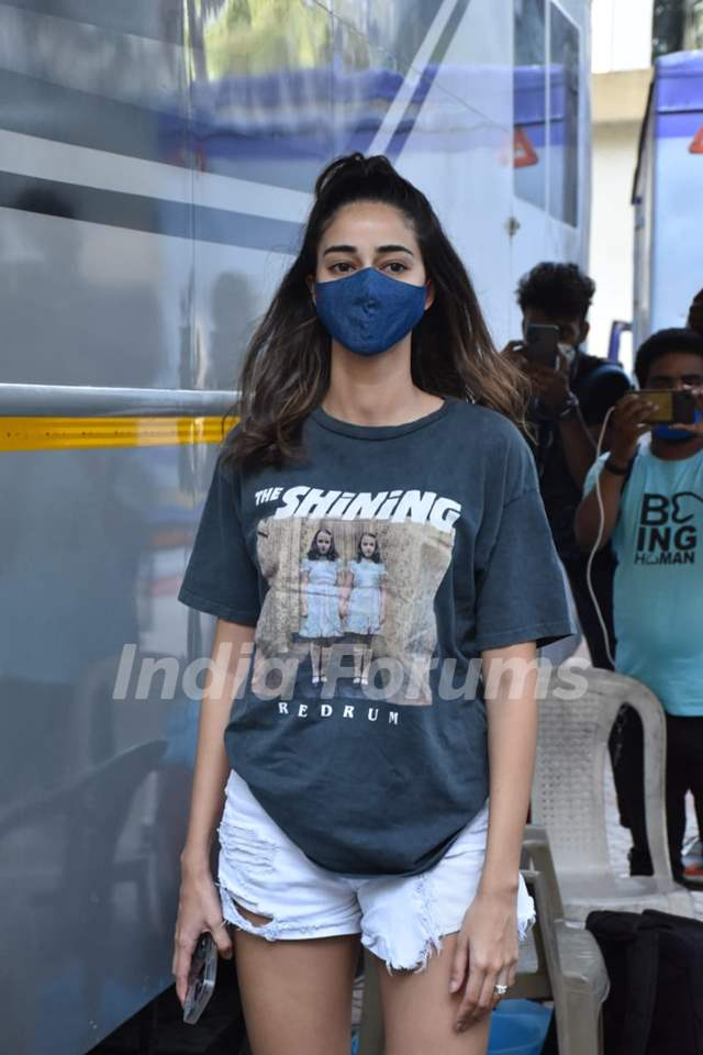 Ananya Panday snapped at a shoot in Andheri