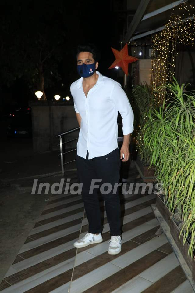 Jackky Bhagnani snapped at a cafe in Bandra