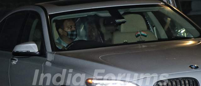 Shah Rukh Khan spotted in Bandra