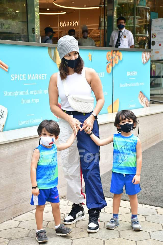 Sunny Leone with sons