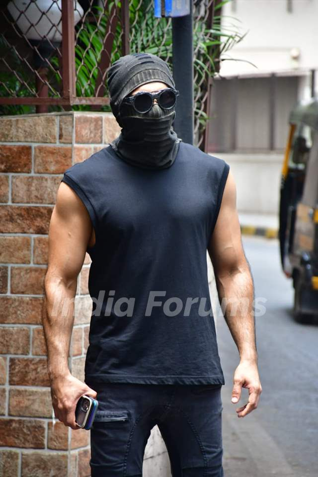 Ranveer Singh snapped at a dubbing studio in Bandra