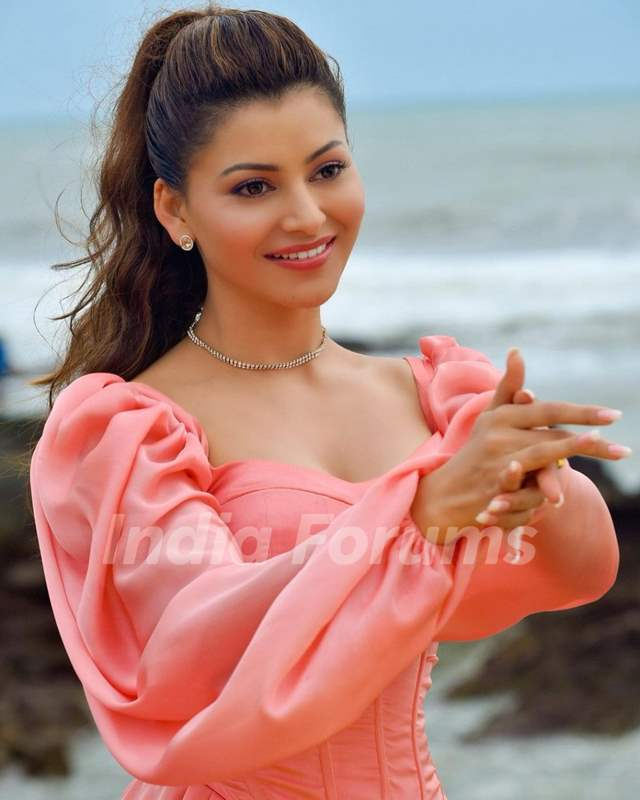 Urvashi Rautela will take your breath away with her new look
