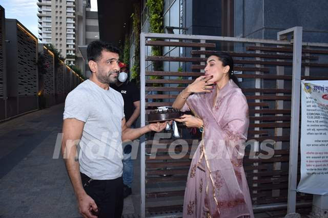 Pavitra Punia celebrates her birthday with Eijaz Khan