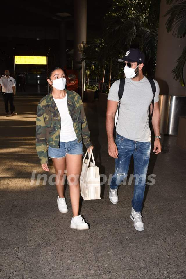 Alia Bhatt and Ranbir Kapoor return to Mumbai from their Maldives vacation
