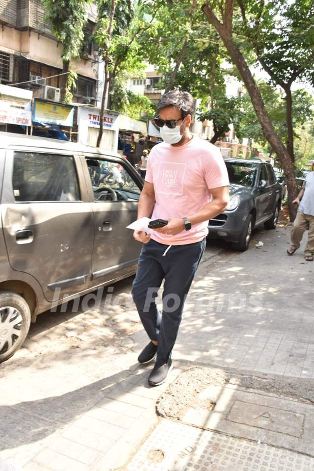 Ajay Devgn spotted at a clinic in Juhu