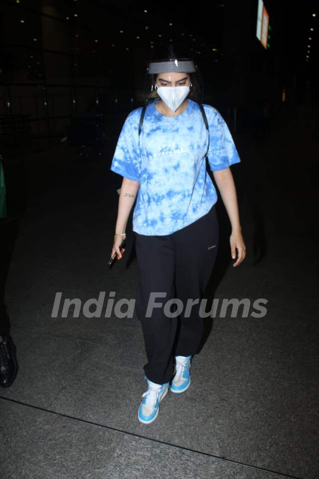 Khushi Kapoor spotted at Mumbai airport