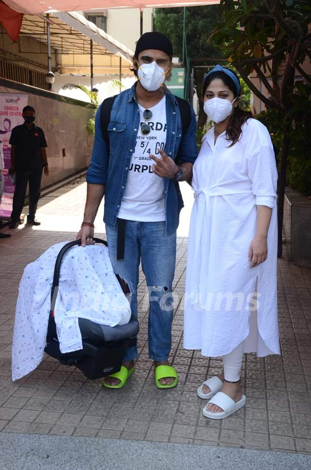 Mohit Malik and Addite Malik spotted with newborn baby in Santacruz