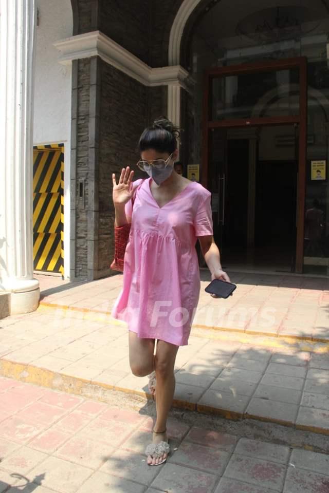 Shamita Shetty spotted at clinic in Bandra