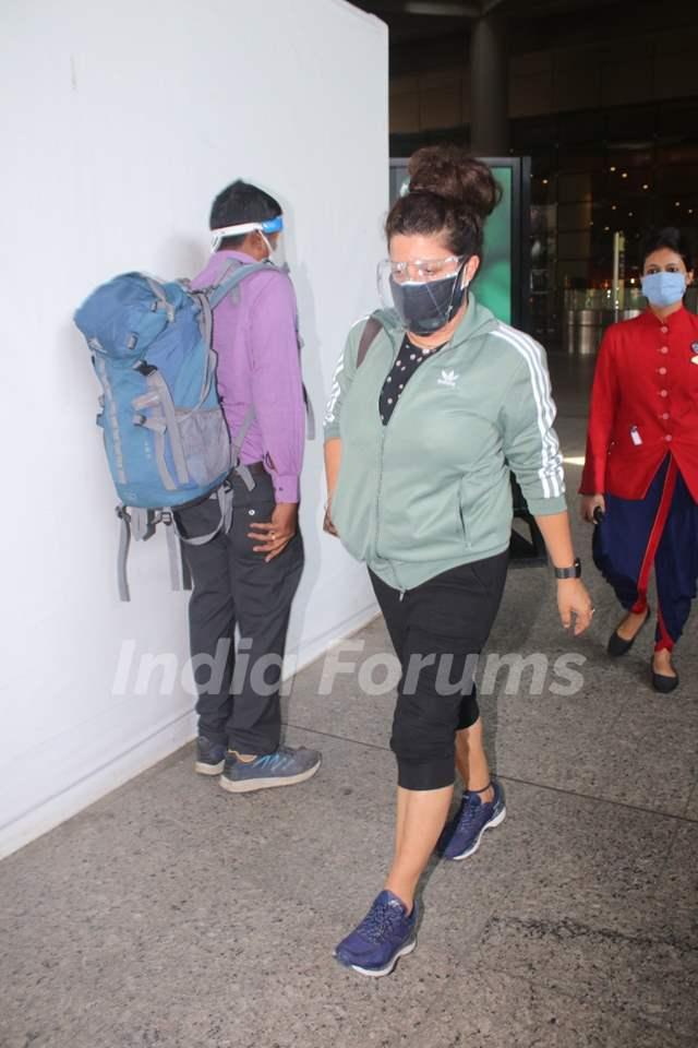 Zoya Akhtar spotted at Mumbai airport