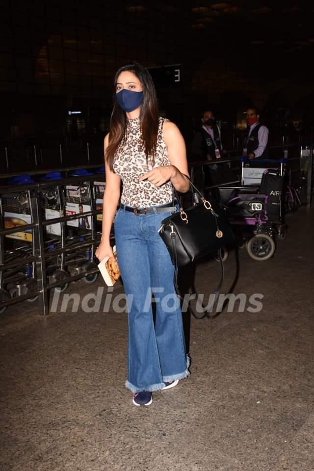 Shweta Tiwari spotted at the Mumbai airport