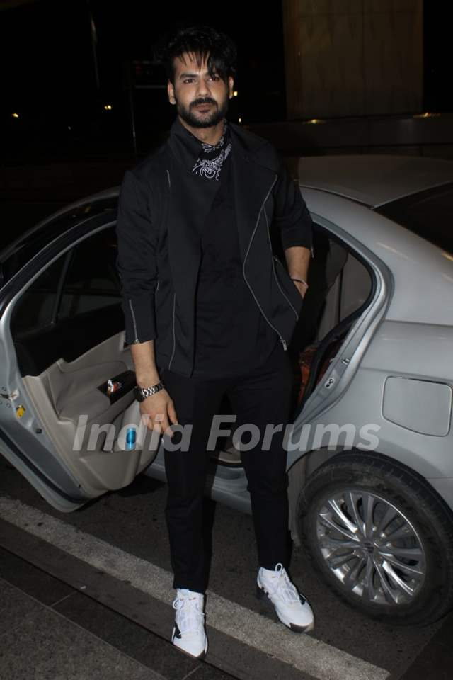 Vishal Aditya Singh snapped at Mumbai airport