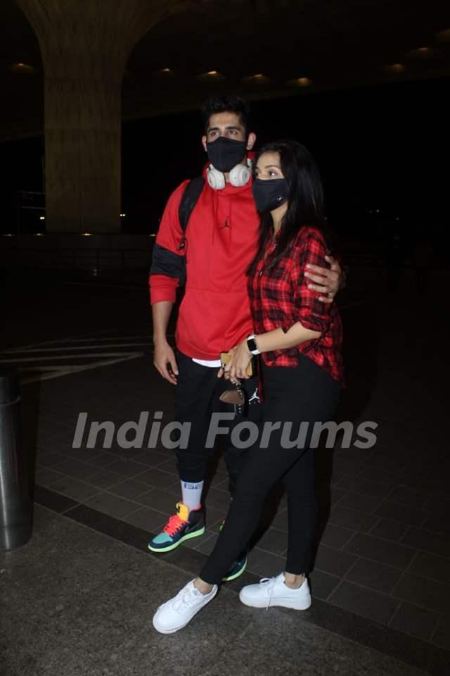 Varun Sood and Divya Agarwal snapped at Mumbai airport