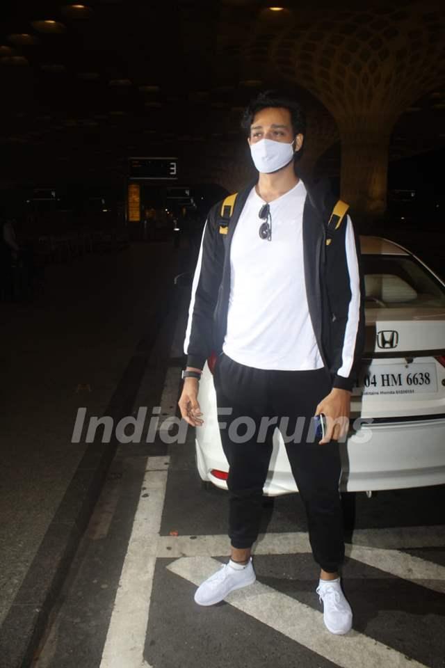 Sourabh Raaj Jain snapped at Mumbai airport