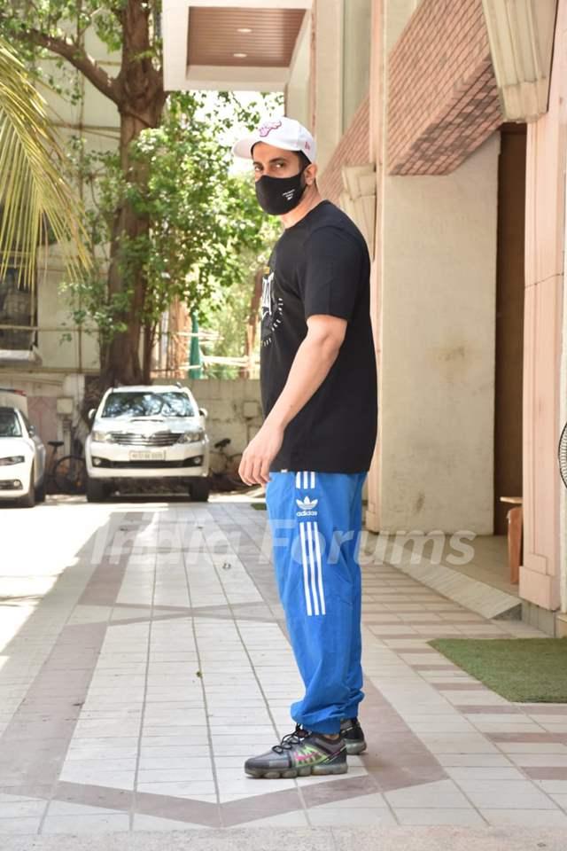 Sunny Singh spotted in Juhu, Mumabi