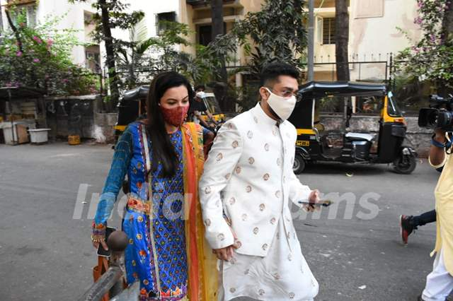 Gauahar Khan and Zaid Darbar spotted visiting her in-laws at Lokhandwala, Andheri