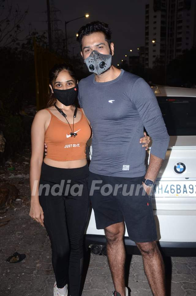 Television star Mrunal Jain snapped with his girlfriend in Lokhandwala, Andheri