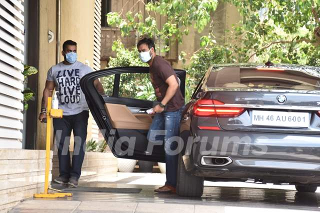 Ajay Devgn spotted at Juhu!