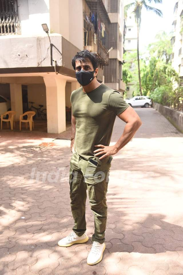 Sonu Sood snapped outside his residence, Andheri