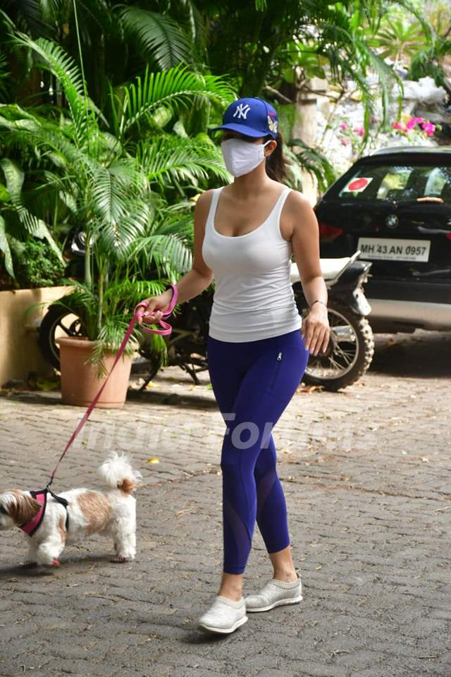 Sophie Choudry spotted in Bandra