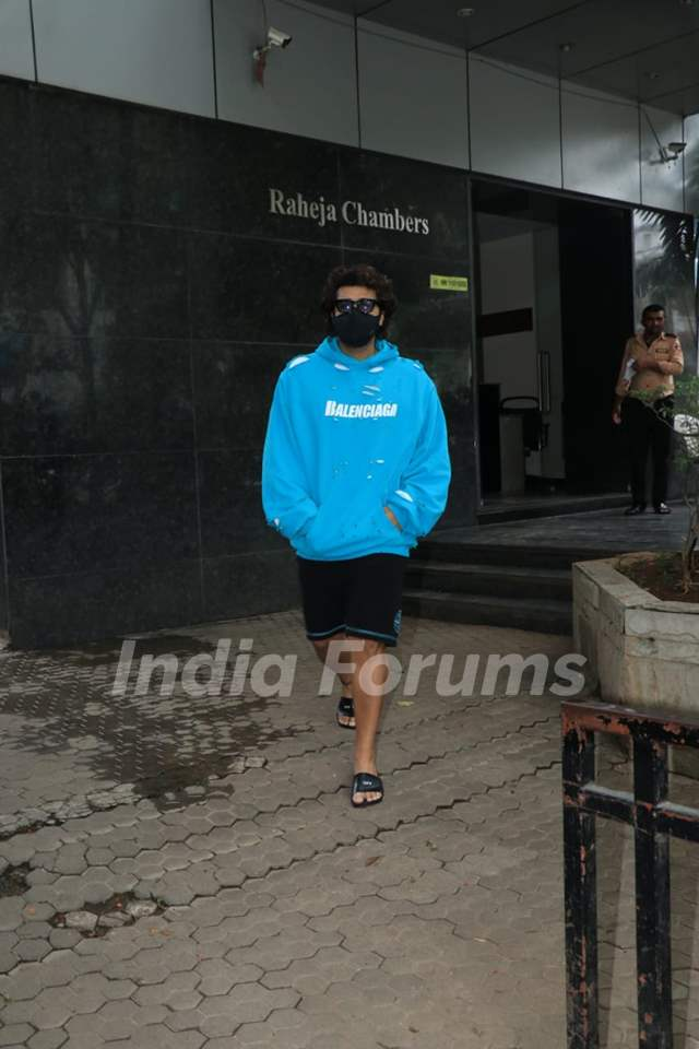 Arjun Kapoor spotted at a clinic in Bandra