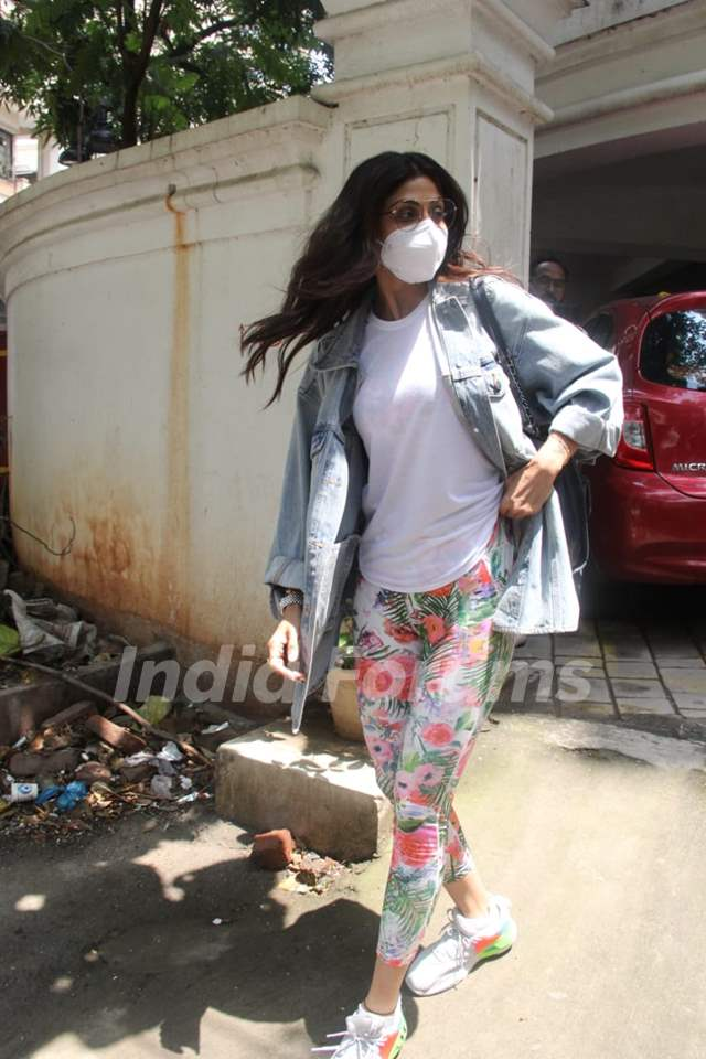 Shilpa Shetty snapped out a clinic in Khan