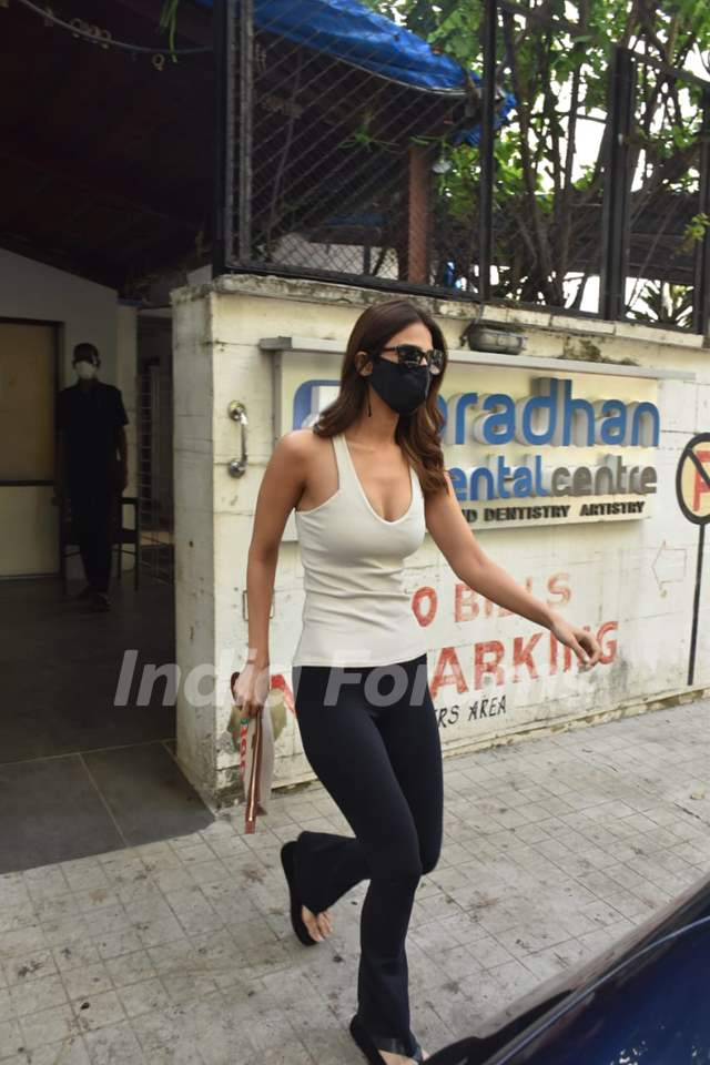 Vaani Kapoor snapped at a clinic in Juhu