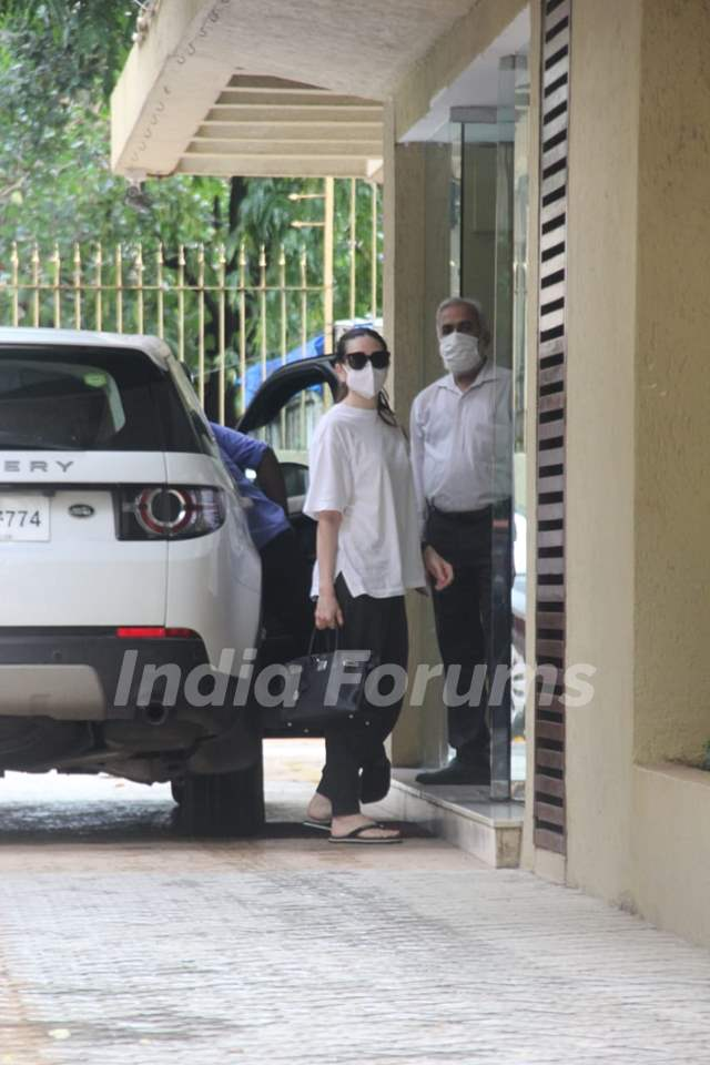 Karisma Kapoor snapped in Khar, Mumbai