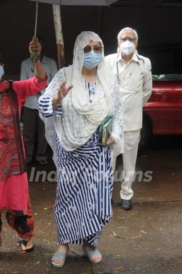 Saira Banu spotted outside Hinduja hospital